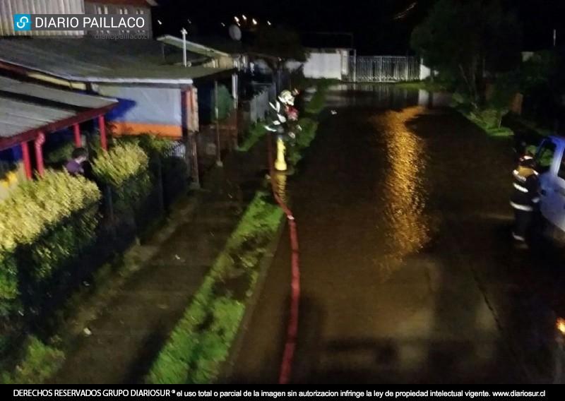 Intensas precipitaciones producen anegamiento en calle for Calle mistral